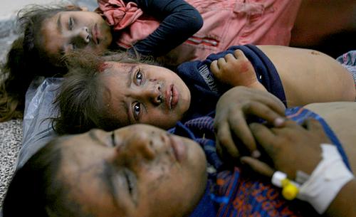 مؤتر جدا: أب فلسطيني يتعرف على جثث أطفاله -فيديو-
